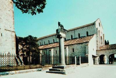 Соборная базилика в Аквилее. IV в.
